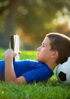 دانلود کتاب ۵۰ روش ساده برای علاقمند کردن فرزند به مطالعه